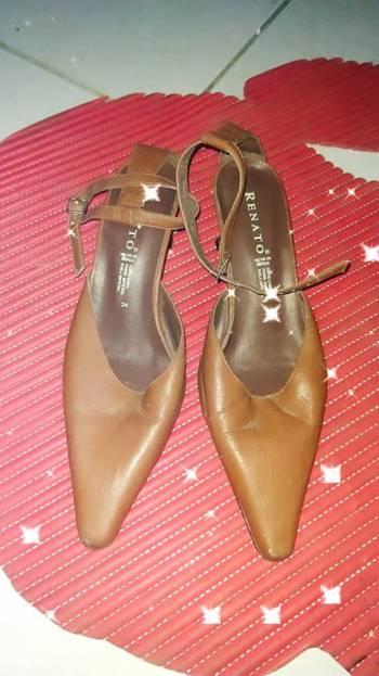 Foto Carousel Producto: Zapatillas formales de piel color camel GoTrendier