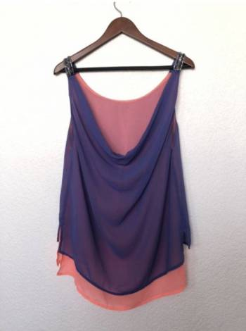 Foto Carousel Producto: Blusa morado con rosa  GoTrendier