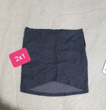 Foto Carousel Producto: Minifalda gris asimetrica GoTrendier