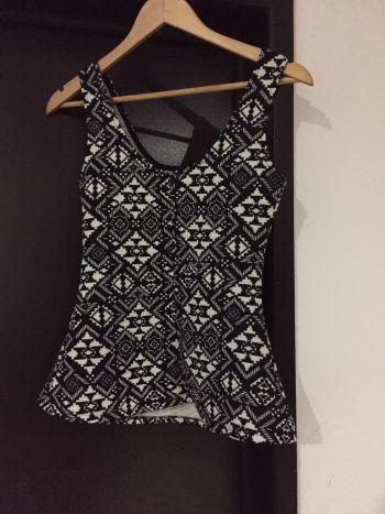 Foto Carousel Producto: Blusa blanco y negro GoTrendier