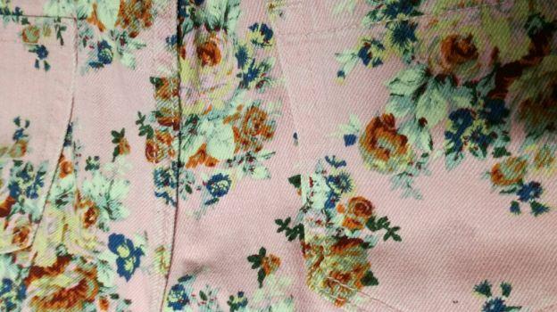 Foto Carousel Producto: Mini short rosa-flores GoTrendier