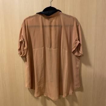 Foto Carousel Producto: Blusa Plastic Pop GoTrendier