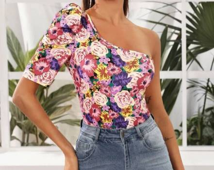 Foto Carousel Producto: Top de un hombro floral GoTrendier