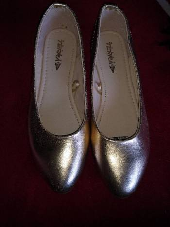 Foto Carousel Producto: Flats doradas GoTrendier