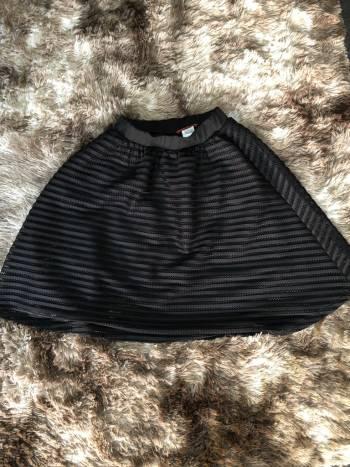 Foto Carousel Producto: Hermosa falda negra GoTrendier