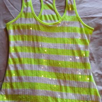 Foto Carousel Producto: Blusa a rayas con lentejuela GoTrendier