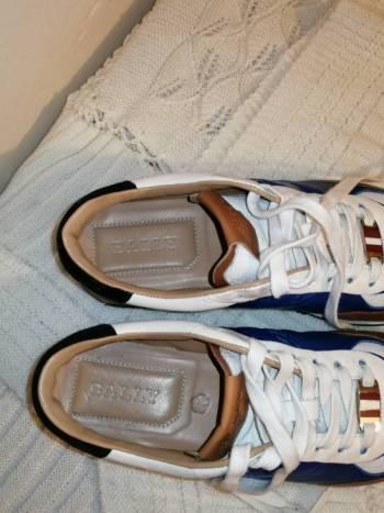 Foto Carousel Producto: Tennis casual blanco/ azul rey GoTrendier