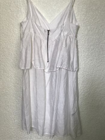Foto Carousel Producto: Vestido corto blanco de tirantes GoTrendier