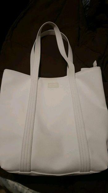Foto Carousel Producto: Lacoste zip Tote bag GoTrendier