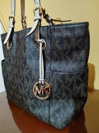 Foto Carousel Producto: Mk monogram.VENDIDA.  GoTrendier