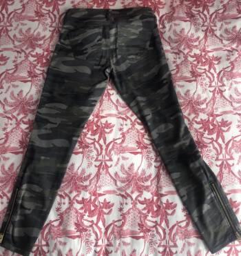 Foto Carousel Producto: Jeans estilo militar marca EXPRESS GoTrendier