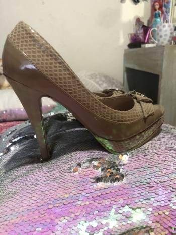 Foto Carousel Producto: Zapatillas Gina Loren  GoTrendier