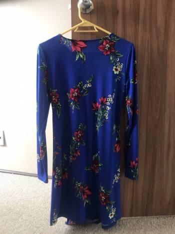 Foto Carousel Producto: Vestido con estampado floral GoTrendier