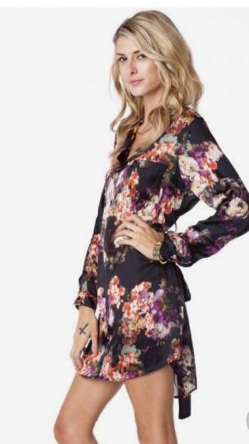 Foto Carousel Producto: Hermoso vestido de flores súper de moda! GoTrendier