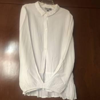Foto Carousel Producto: Blusa blanca talla 12 GoTrendier