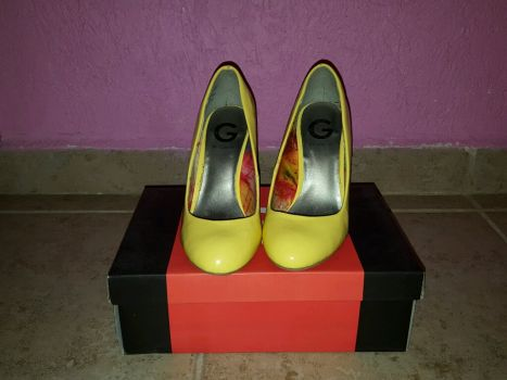 Foto Carousel Producto: Zapatillas G by Guess  GoTrendier