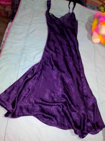Foto Carousel Producto: Vestido lencero de tirantes con encaje GoTrendier