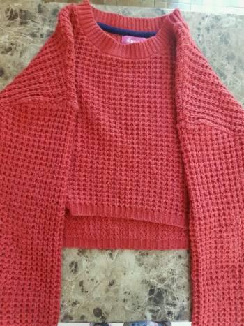 Foto Carousel Producto: Suéter de punto rojo.  GoTrendier