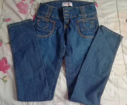 Foto Carousel Producto: Pantalón de Mezclilla entubado GoTrendier