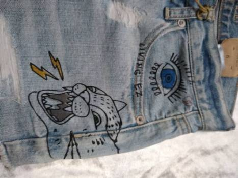 Foto Carousel Producto: Shorts graffiti GoTrendier