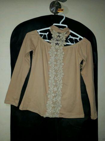 Foto Carousel Producto: Blusa de cuello alto  GoTrendier