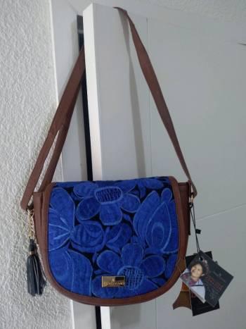 Foto Carousel Producto: Bolsa de diseñador Mexicano Ángel Lozano  GoTrendier