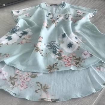 Foto Carousel Producto: Hermosa blusita floreada ❤️✨ GoTrendier