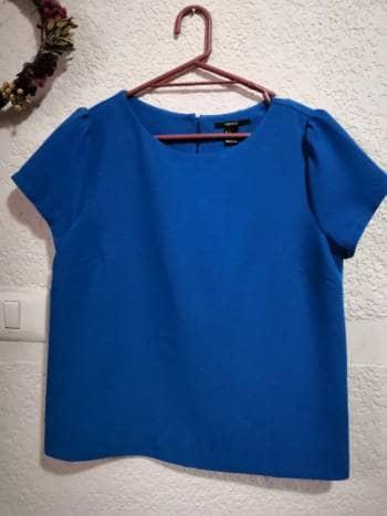 Foto Carousel Producto: Blusa azul rey talla S marca Forever 21 GoTrendier