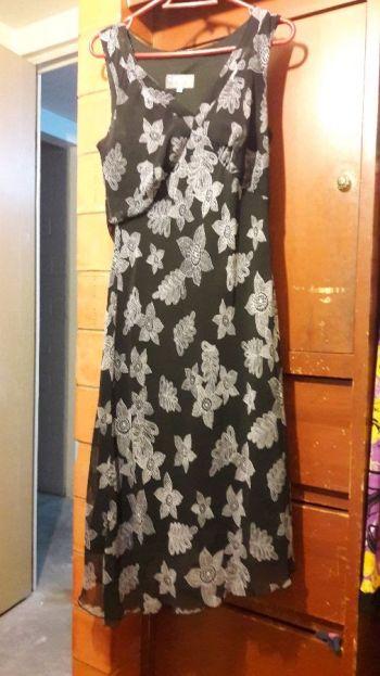 Foto Carousel Producto: Vestido talla 11,negro con flores GoTrendier