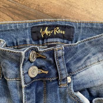 Foto Carousel Producto: Jeans efecto desgastado GoTrendier