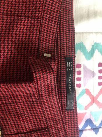 Foto Carousel Producto: Pantalon cuadros negros y rojos GoTrendier