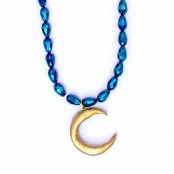 Foto Carousel Producto: Collar largo de luna y cristales GoTrendier