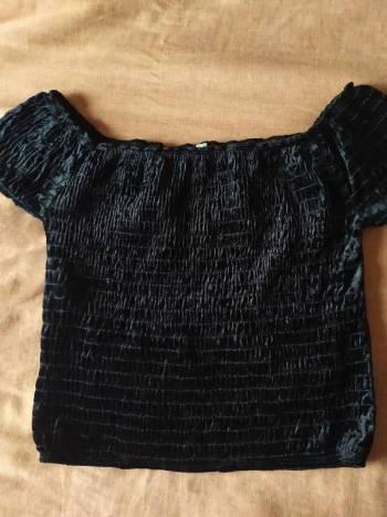 Foto Carousel Producto: Blusa negra velvet dark GoTrendier