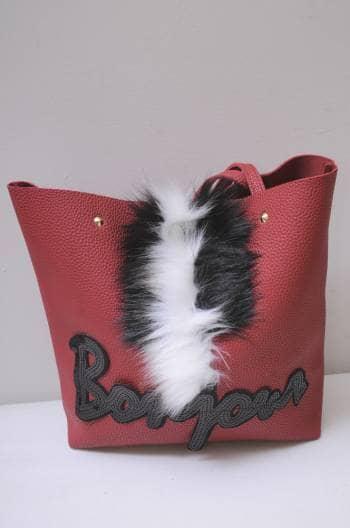 Foto Carousel Producto: Bolsa roja con peluche GoTrendier