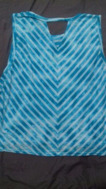 Foto Carousel Producto: Blusa azul vans GoTrendier