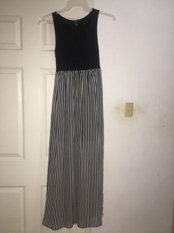 Foto Carousel Producto: Vestido largo con gasa GoTrendier