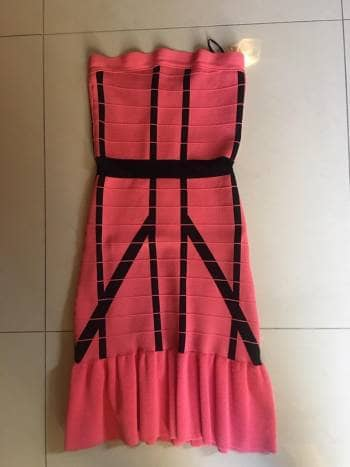 Foto Carousel Producto: Vestido rosa y negro GoTrendier