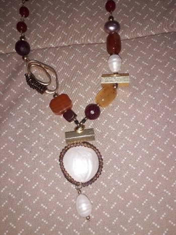 Foto Carousel Producto: Collar de piedras y perlas naturales GoTrendier