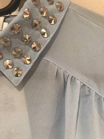 Foto Carousel Producto: Blusa con remaches GoTrendier