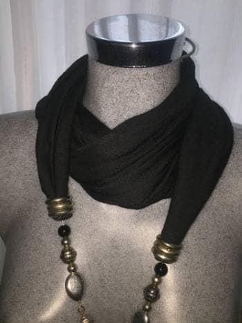 Foto Carousel Producto: Pashmina negra  GoTrendier