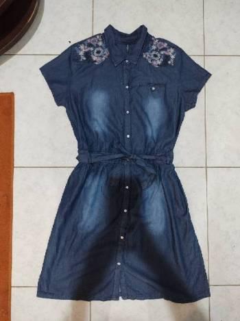 Foto Carousel Producto: Vestido de mezclilla con botones GoTrendier