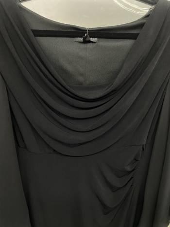 Foto Carousel Producto: Vestido negro mangas amplias GoTrendier