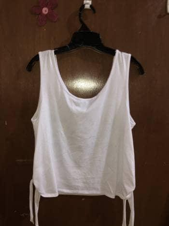 Foto Carousel Producto: Blusa de tirantes blanca GoTrendier