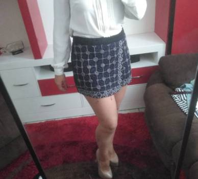 Foto Carousel Producto: Mini falda pull&bear GoTrendier