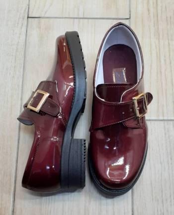 Foto Carousel Producto: Zapatos nuevos vino charol GoTrendier