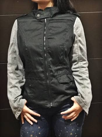 Foto Carousel Producto: Chamarra negra con gris GoTrendier