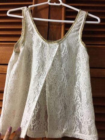 Foto Carousel Producto: Blusa de encaje beige GoTrendier