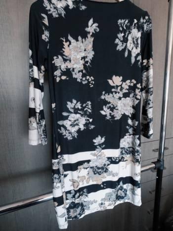 Foto Carousel Producto: Vestido flores negro GoTrendier