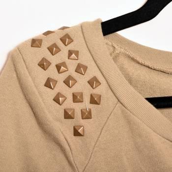 Foto Carousel Producto: Suéter con aplicaciones  GoTrendier