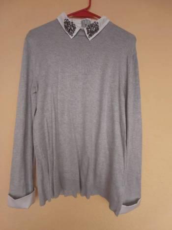 Foto Carousel Producto: Suéter con simulación de camisa GoTrendier